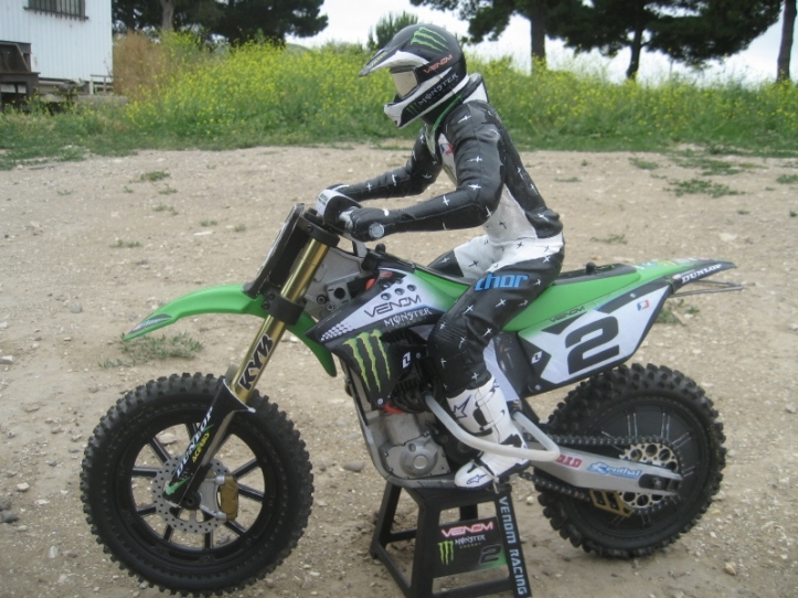 2011 Ryan Villopoto replica VMX450 1/4 scale