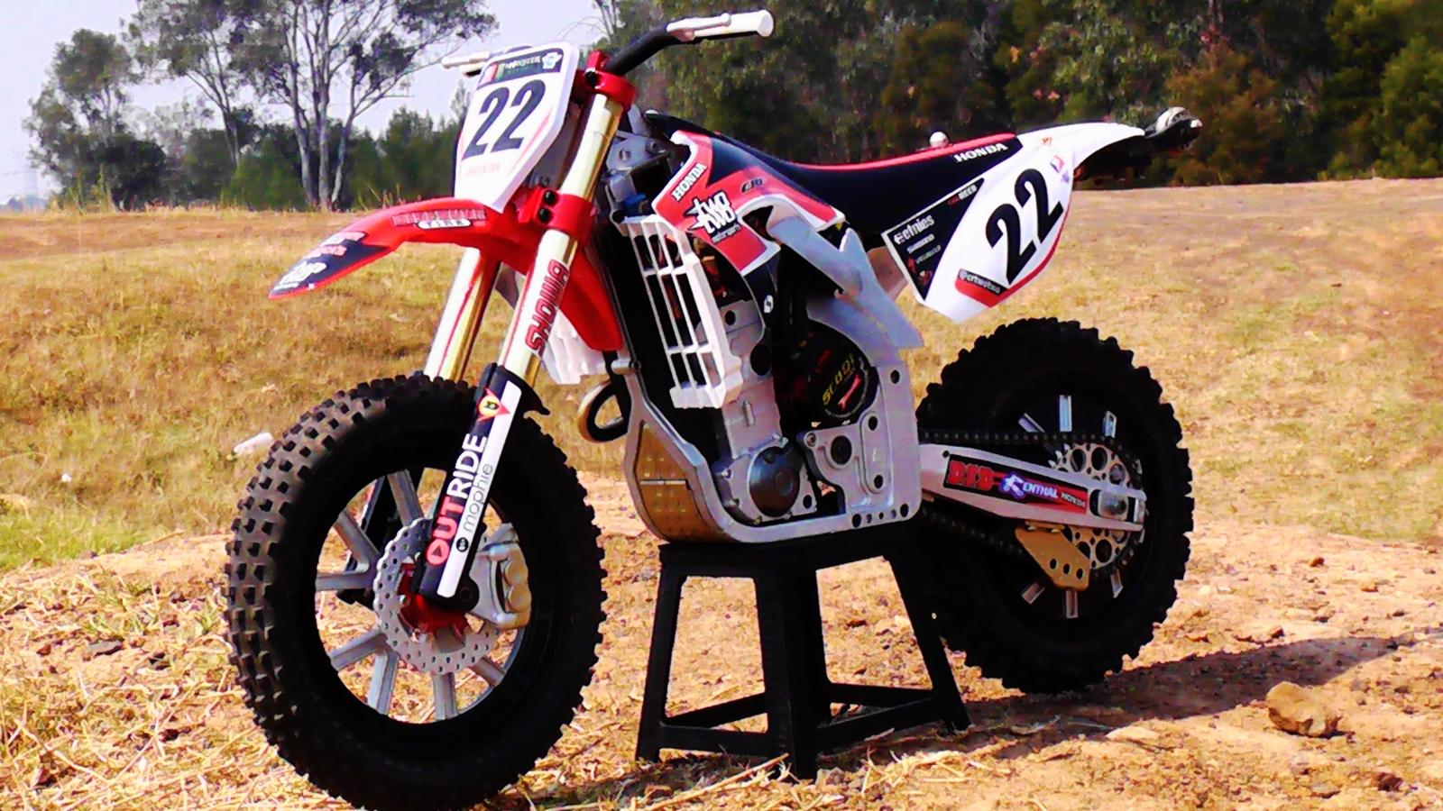 Show Off Chad Reed 2013 Replica Atomik Mm450