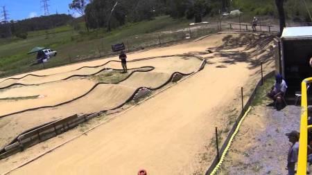 Racing Videos – Rc Dirt Bike vs SC Trucks